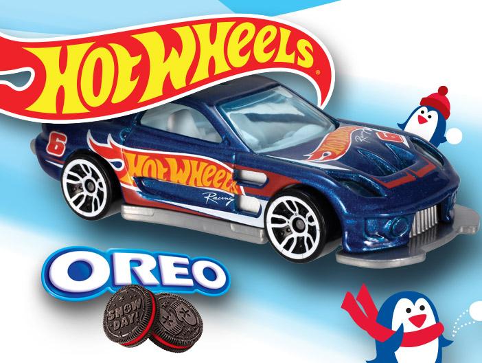 Oreo Mattel Facebook Content Marketing